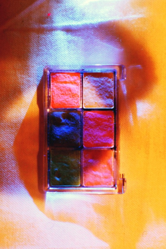 colour against light